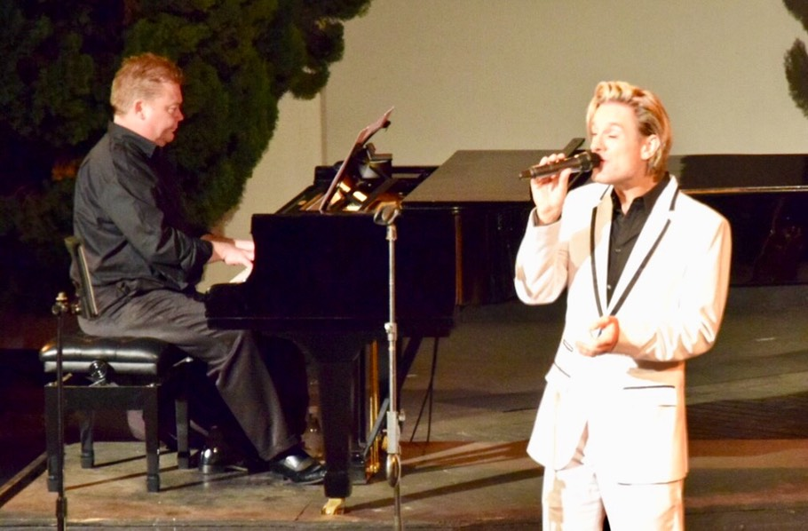 Ike Moriz vocals piano duo live music entertainment intimate show jazz swing pop crooner